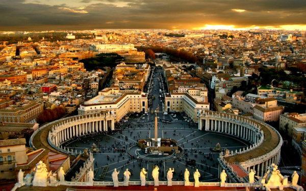 """BIVŠI PAPA PRIZNAO: U Vatikanu postoji """"gej lobi""""!"""