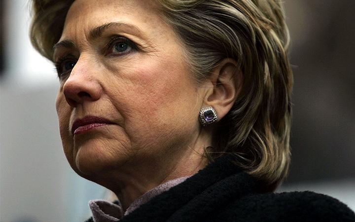 pic_giant_033015_SM_Hillary-Clinton-Dark-G