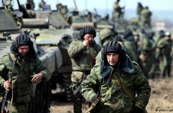 NA IVICI VELIKOG SUKOBA: Rusija šalje 10.000 vojnika na granicu sa NATO paktom!