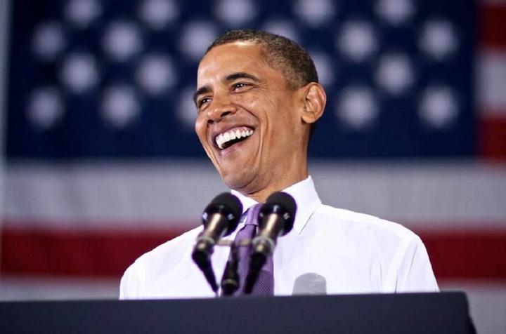 obama-laughing 435