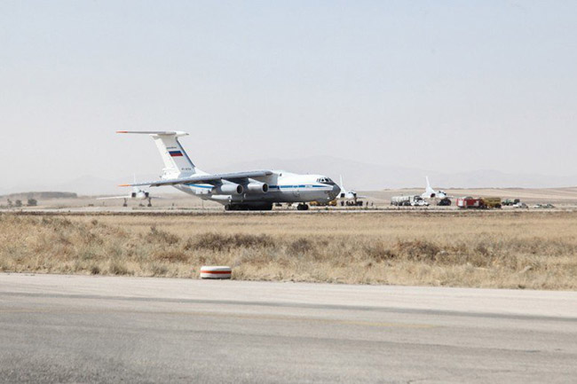 Russian-jets_in-Iran_15.8.16