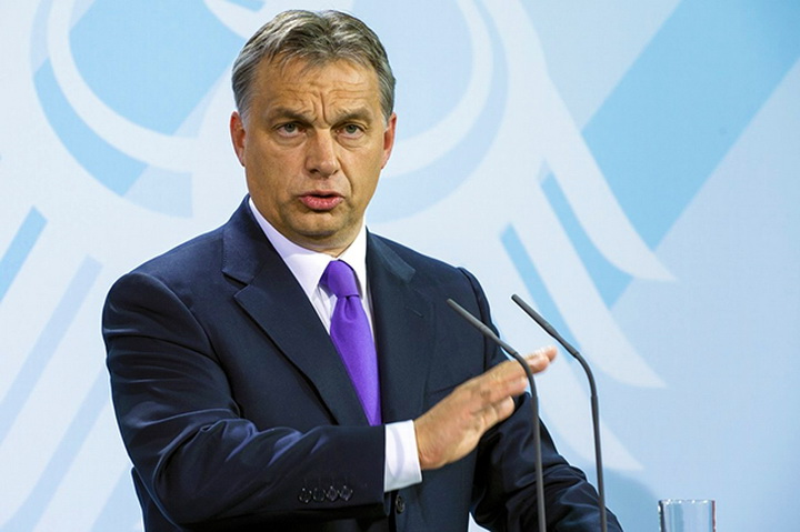 Chancellor Merkel and Hungarian PM Orbán in economy press conference