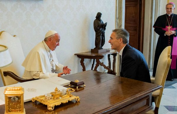 VEST KOJA JE UZDRMALA ZAPAD! Papa na sastanku sa Stoltenbergom nije hteo da podrži NATO i Zapad!
