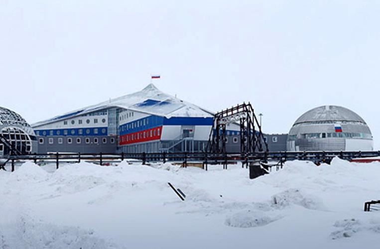 5716399bc46188bd6e8b458f-arctic-russia-z765