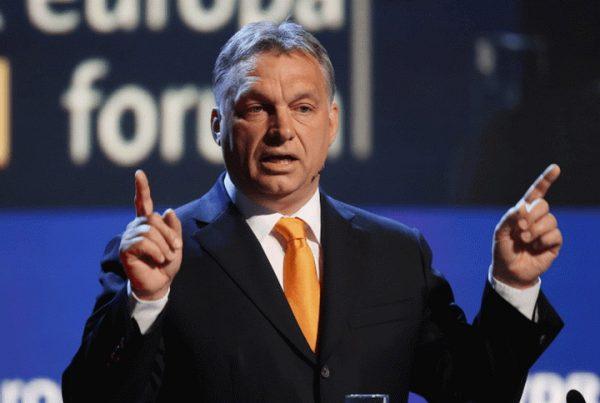 ОРБАН УДАРИО НА ЛАЖНЕ ВРЕДНОСТИ ЗАПАДА: Премијер Мађарске оголио план Европске комисије да сиромашни финансирају богате!