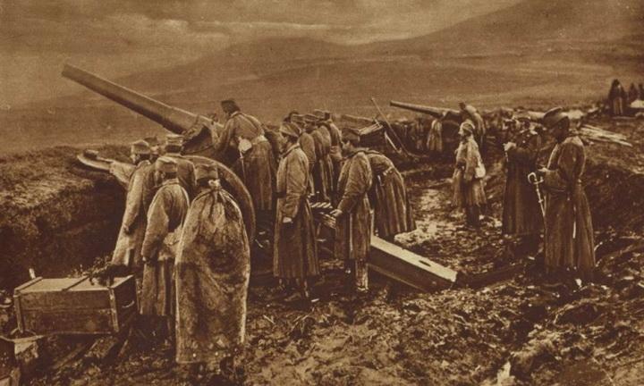 618472_srpska-baterija-pred-nisom-1918-foto-wikimedia-org_f