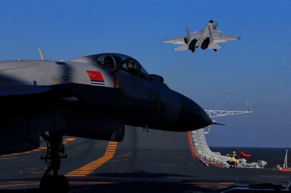 KINESKI LOVAC OTERAO AMERIČKI avion nad Južnim kineskim morem