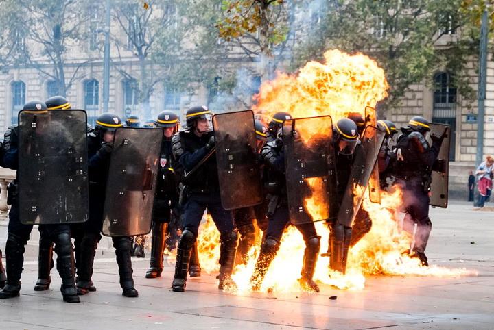 police-riots-45