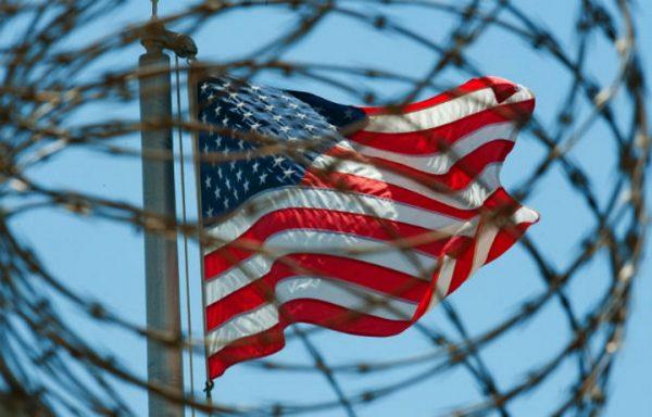 AMERIČKI STRUČNJAK TVRDI: Amerika je počela da propada, a sve je krenulo od BOSNE!