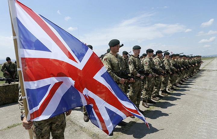 4425788 UK army 56