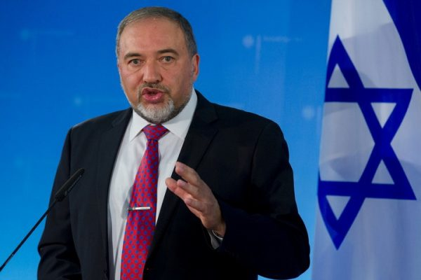 IZRAEL KAPITULIRAO?! Ministar odbrane podneo ostavku