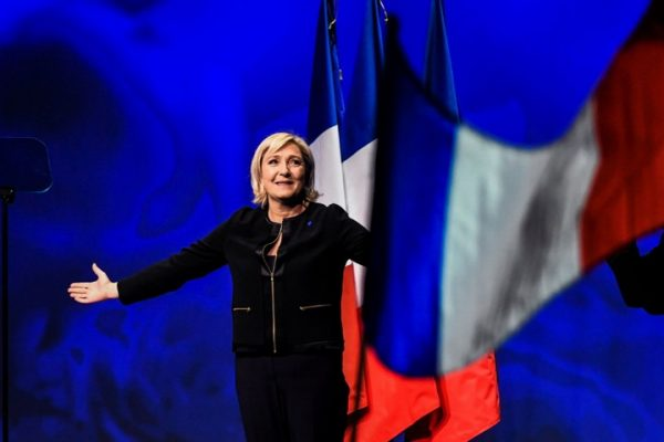 ШОК У ПАРИЗУ И БРИСЕЛУ: Марин Ле Пен победила! ПОТУКЛА МАКРОНА