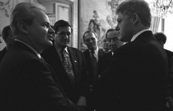 NIJE TAČNO DA JE MILOŠEVIĆ IZGUBIO KOSOVO – ŠOK INTERVJU RUSKOG EKSPERTA: Bez dlake na jeziku o Ćosiću, podeli Kosova, albanskoj mafiji…