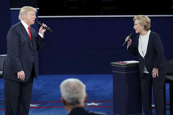 TRAMP traži da se istraže veze Klintonovih sa Rusijom
