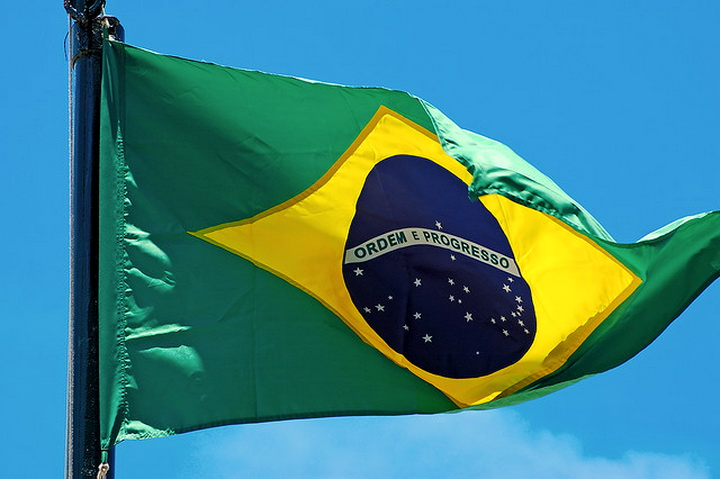 Brazil-flag-flying