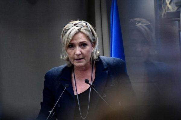 OGLASILA SE I MARIN LE PEN povodom proslave u Parizu i tretmana Vučića i Tačija