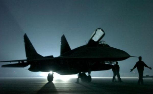 "LAZANSKI OTKRIVA: Evo kako je srpska vojska skrivala ""Mig-29"" od NATO bombardera"