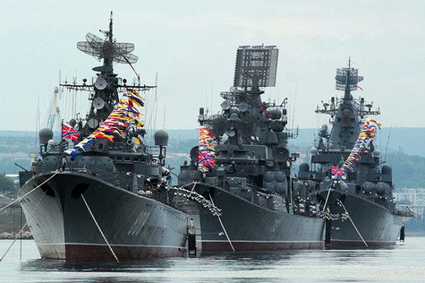 KREMLJ SE OGLASIO: Težnja SAD da dominiraju okeanima ugrožava bezbednost Rusije