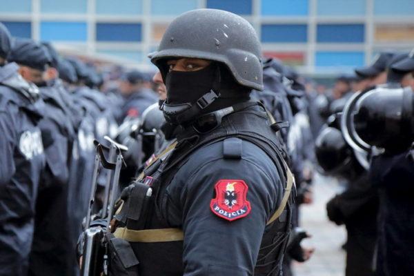KUVA U BAZI KOD KOSOVA POLJA! Šiptari se pripremaju za rat?!