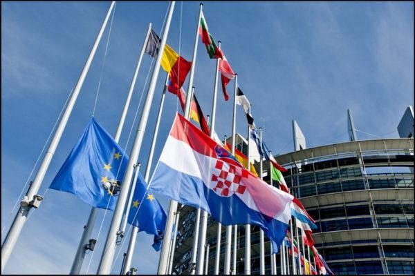 SRBIJA NEĆE UĆI U EU: Hrvatska će postaviti ove USLOVE