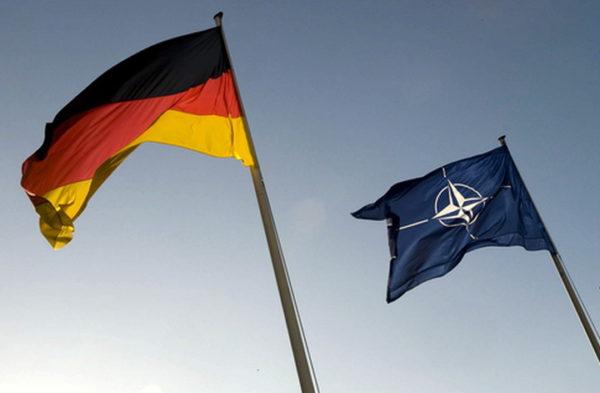 """НЕМЦИ СЕ ПОБУНИЛИ: """"Меркелова само удовољава Трампу, треба да одемо из НАТО"""""""