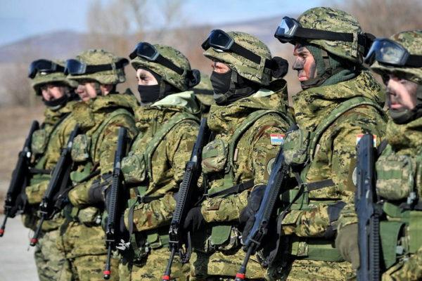 HRVATI ZVECKAJU ORUŽJEM NA KOSMETU: Šalju svoju elitnu vojsku!