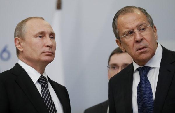 СВЕТСКИ МЕДИЈИ ПРЕНЕЛИ КАО УДАРНУ ВЕСТ! Узбуна у Немачкој амбасади, Русија направила радикалан потез: Дат рок од 7 дана!