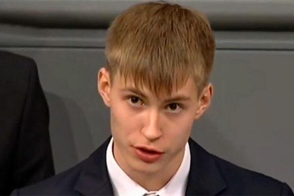 """GOVOR """"RUSKOG"""" GIMNAZIJALCA U BUNDESTAGU šokirao celokupnu javnost! EVROPA LIKUJE, RUSIJA BESNA!"""