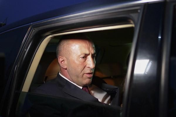 HAOS NA KOSOVU – PALA VLADA U PRIŠTINI: Haradinaj podneo ostavku!