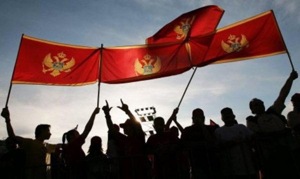 """DVADESET NA JEDNOG: Grupa Milovih """"patriota"""" šutirala jednog (UZNEMIRUJUĆI VIDEO)"""