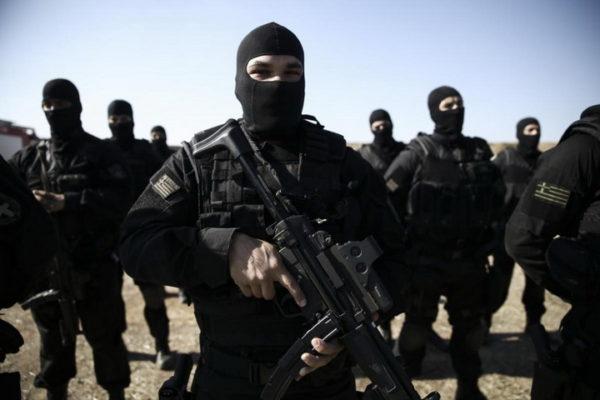 ГРЧКА ВОЈСКА У СТАЊУ ПРИПРАВНОСТИ: У случају рата, не можемо да рачунамо на помоћ НАТО-а