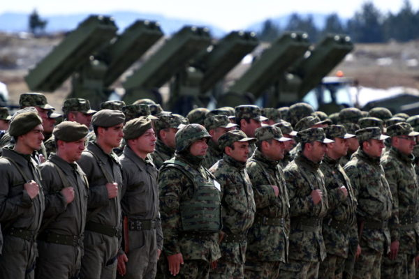 HRVATSKI MEDIJI: Vučić stvara najmoćniju vojsku na Balkanu