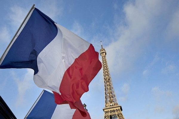 HAOS U FRANCUSKOJ! NEVEROVATAN predlog francuskih stručnjaka u vezi vakcina za KORONAVIRUS