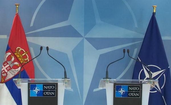 ОВАКВО САОПШТЕЊЕ НАТО-а ВРЕЂА ЗДРАВ РАЗУМ: Ево објашњења зашто је бомбардована Србија!