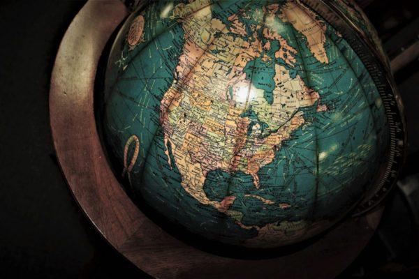 ДОСТА ЈЕ БИЛО ЛАЖИ: Свет није онакав као на мапама!