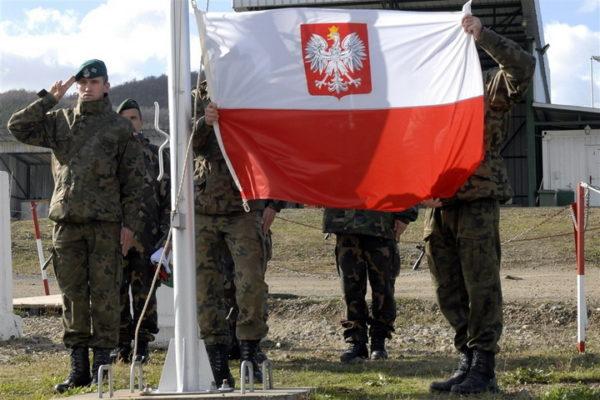 ПОЉАЦИ БРАНЕ НАТО: Напали Макрона и Француску!