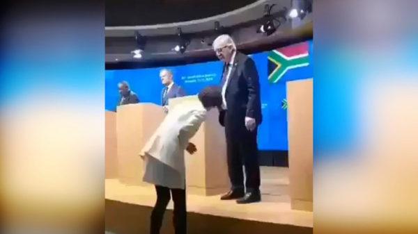KAO LETVA: Junker opet pijan, došao sa dve različite cipele (VIDEO)