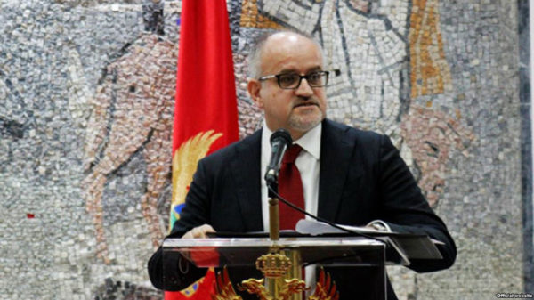"""Montenegrin Darmanović objavio da će Crna Gora glasati za """"Kosovo"""" u Interpolu jer je to dobro i za Srbiju"""