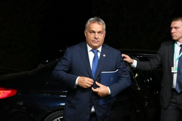 ЦЕЛА ЕВРОПА У СТРАХУ – Орбан преговара са Пољацима и Италијанима