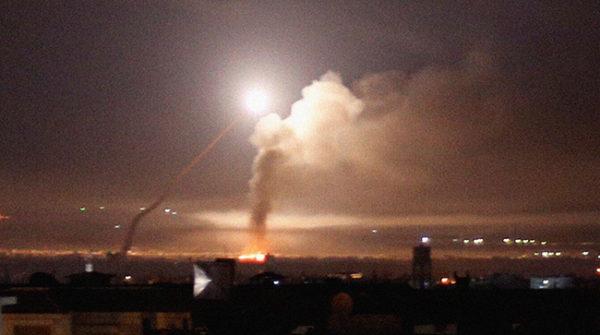 ЗАВИЈАЈУ СИРЕНЕ, ИСПАЉЕНЕ РАКЕТЕ НА ИЗРАЕЛ Заурлали пројектили, одјекнуле страховите експлозије (ВИДЕО)