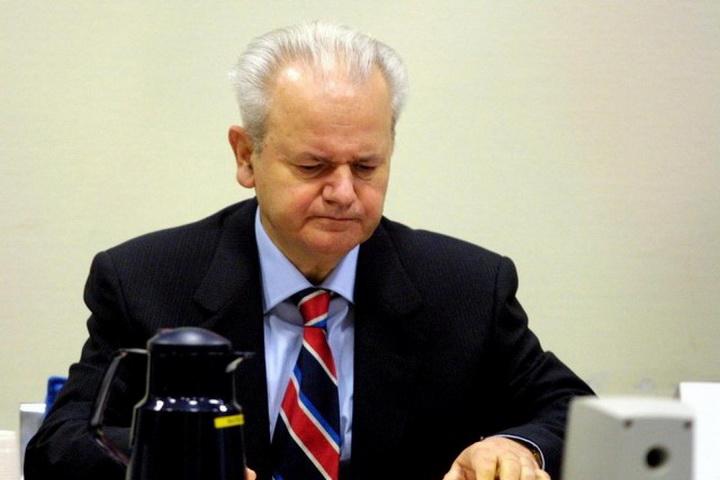 """MILOŠEVIĆ BI BIO OSLOBOĐEN U HAGU!"": Ugledni britanski profesor Džejms Gau šokirao!"