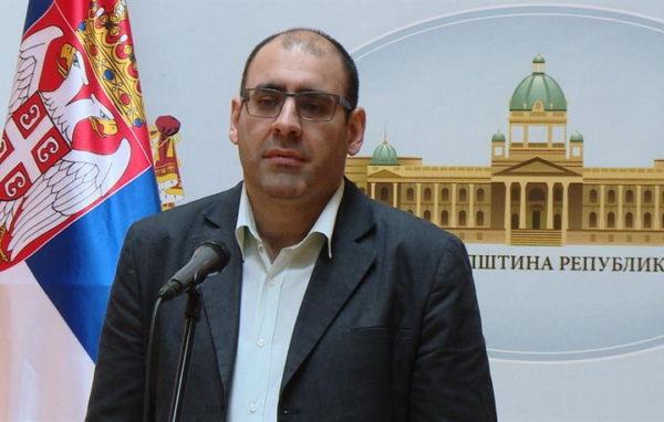 ĐUKANOVIĆ PRKOSI VUČIĆU: Ja neću dočekati Makrona, prvo da se izvini Srbiji…
