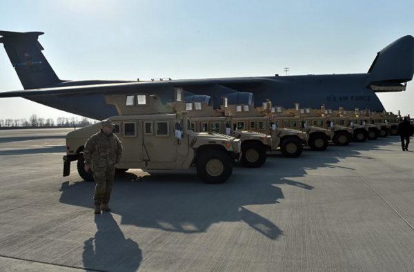 VOJSKA KOSOVA ĆE BITI FORMIRANA DEFINITIVNO: Stigla vojna oklopna vozila iz SAD za kosovsku vojsku
