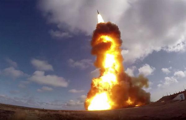 САУДИЈСКИ ЗВАНИЧНИК: Терористички напад; Хути – Ракетирали смо нафтно постројење