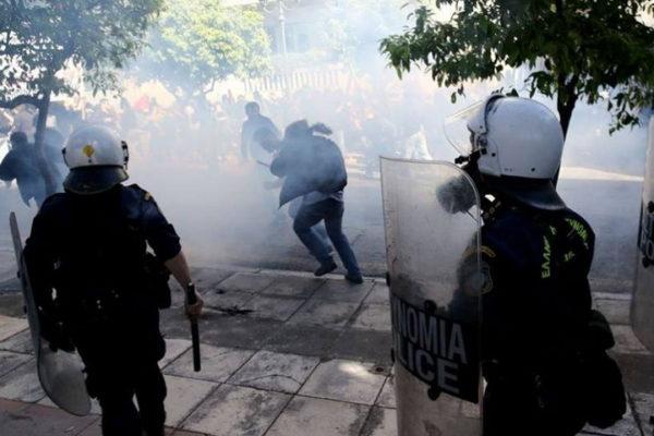 """GRČKA USTALA PROTIV """"REPUBLIKE SEVERNE MAKEDONIJE"""": U Atini haos zbog Makedonaca (VIDEO)"""