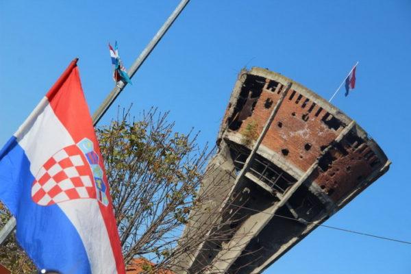 "СТАТУС МЛАДОГ ХРВАТА о Вуковару ""запалио"" Фејсбук и подигао на ноге Хрватску"