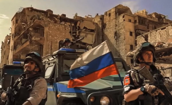 ВЕЛИКИ ПОРАЗ ЗАПАДА – ТЕЖАК УДАРАЦ: Руси ушли у сиријски град! ЕВО КАКО СУ ДОЧЕКАНИ (ВИДЕО)