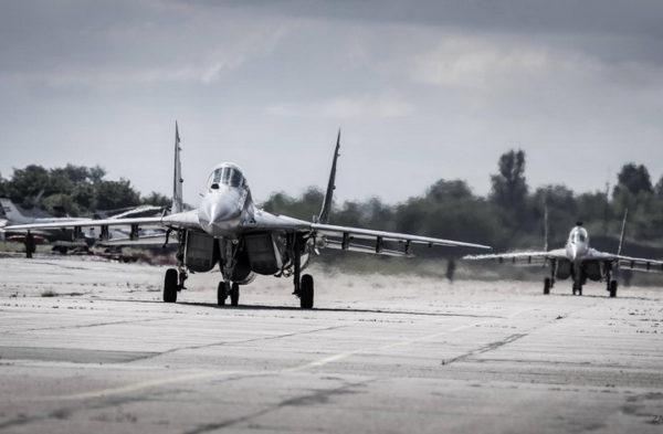 РУСИ ПРЕБАЦИЛИ 13 ЛОВАЦ МиГ-29 у ЈЕРМЕНИЈУ