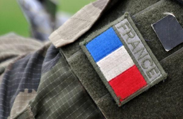 ГРАЂАНСКИ РАТ СЕ КУВА У ФРАНЦУСКОЈ: Упозорење официра француске војске