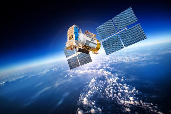 INVAZIJA: Amerikanci lansirali roj od sto satelita